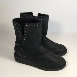 Ugg (1013854) Studded Leather Boots Women 9